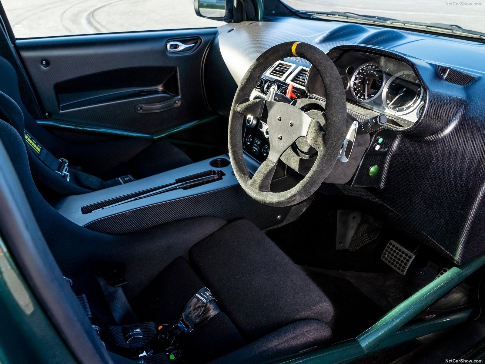 Aston Martin V8 Cygnet: una citycar da 430 cv