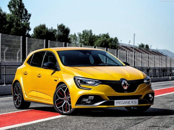 Renault Megane RS Trophy: oltre 300 cv di potenza