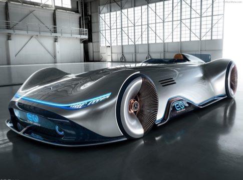 Mercedes Vision EQ Silver Arrow: la vettura del futuro ispirata al passato