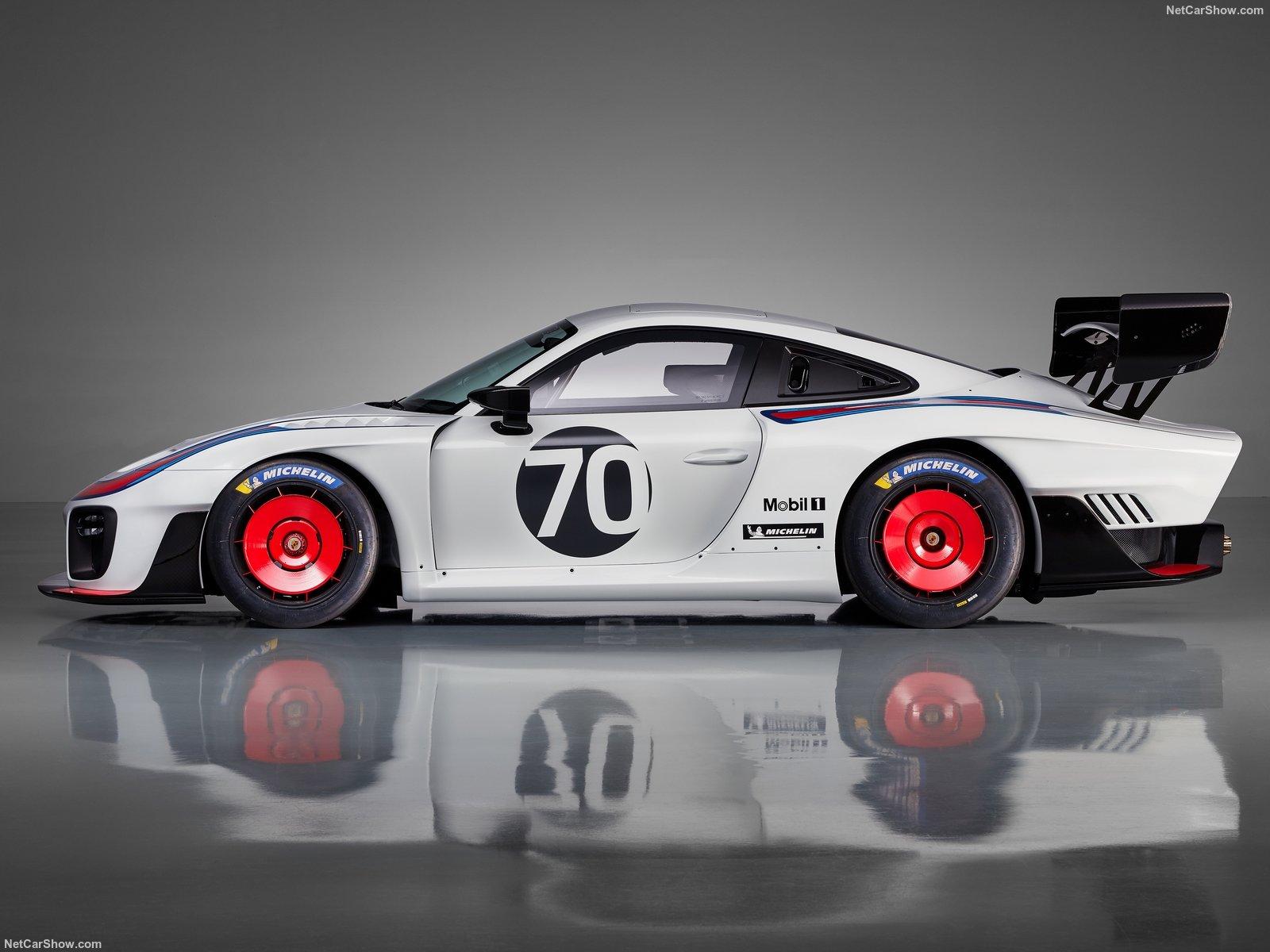 Porsche 935: l'evoluzione della leggenda Moby Dick