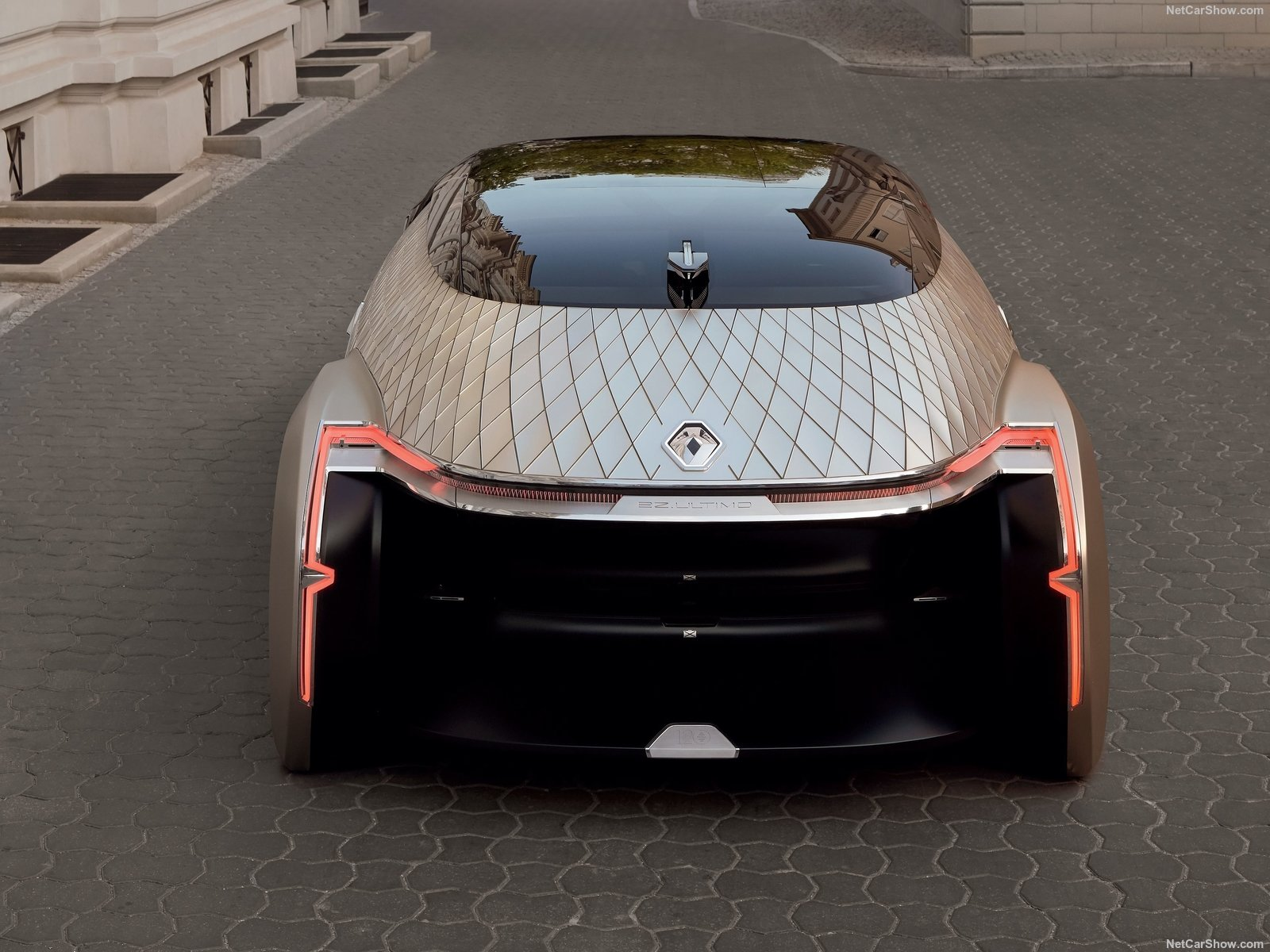 Renault ez ultimo concept l 39 auto per chi va in vacanza for Interni appartamenti parigini