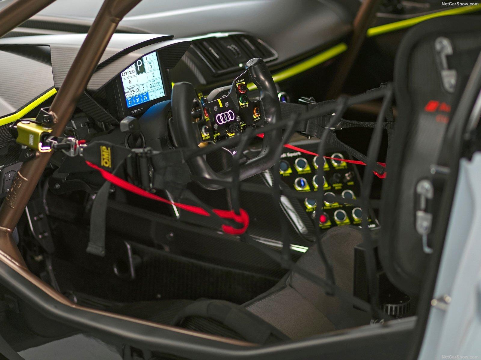 Audi R8 LMS GT2: l'alternativa alla GT3
