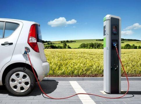 """""""Per competere con le auto elettriche, il petrolio dovrà scendere sotto i 20 dollari al barile"""""""