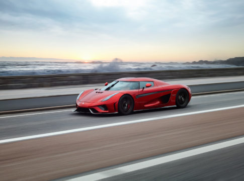 Koenigsegg Regera: da 0 a 400 km/h e viceversa in 13.4 secondi. Nuovo record mondiale