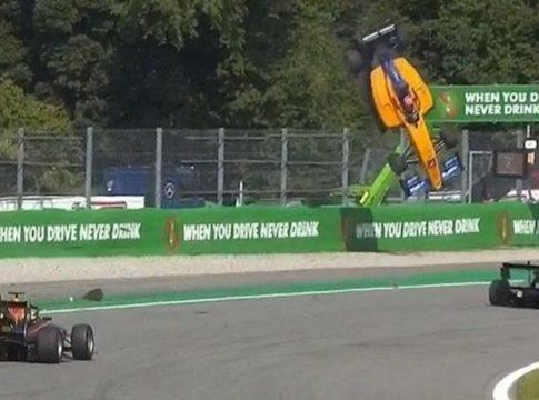 F3: incredibile incidente a Monza, l'auto di Peroni decolla per diversi metri (VIDEO)