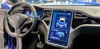 Aggiornamento software Tesla