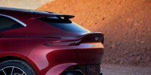Tre pneumatici Pirelli differenti a disposizione del SUV Aston Martin DBX