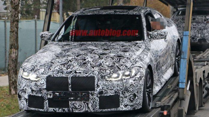 BMW M4 Coupe 2021: ecco le foto spia con griglia anteriore nascosta