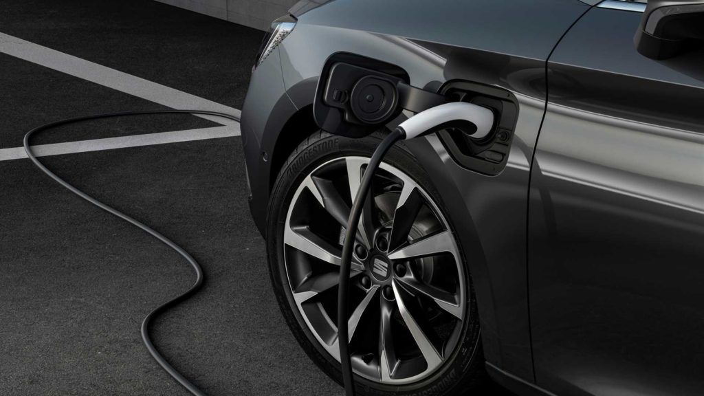 Nuova Seat Leon plug-in hybrid