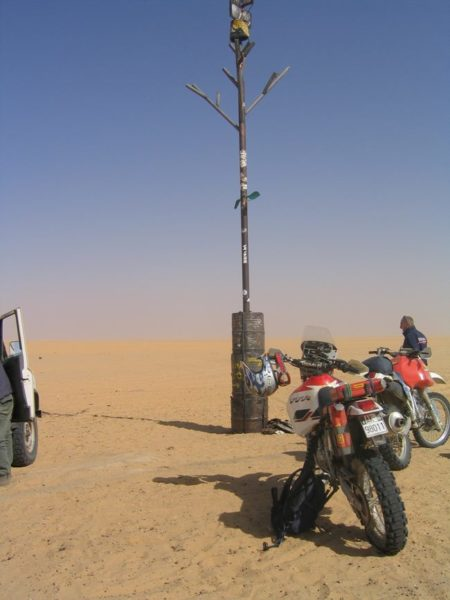 Dakar: Therry Sabine si perde nel deserto e dà origine alla competizione