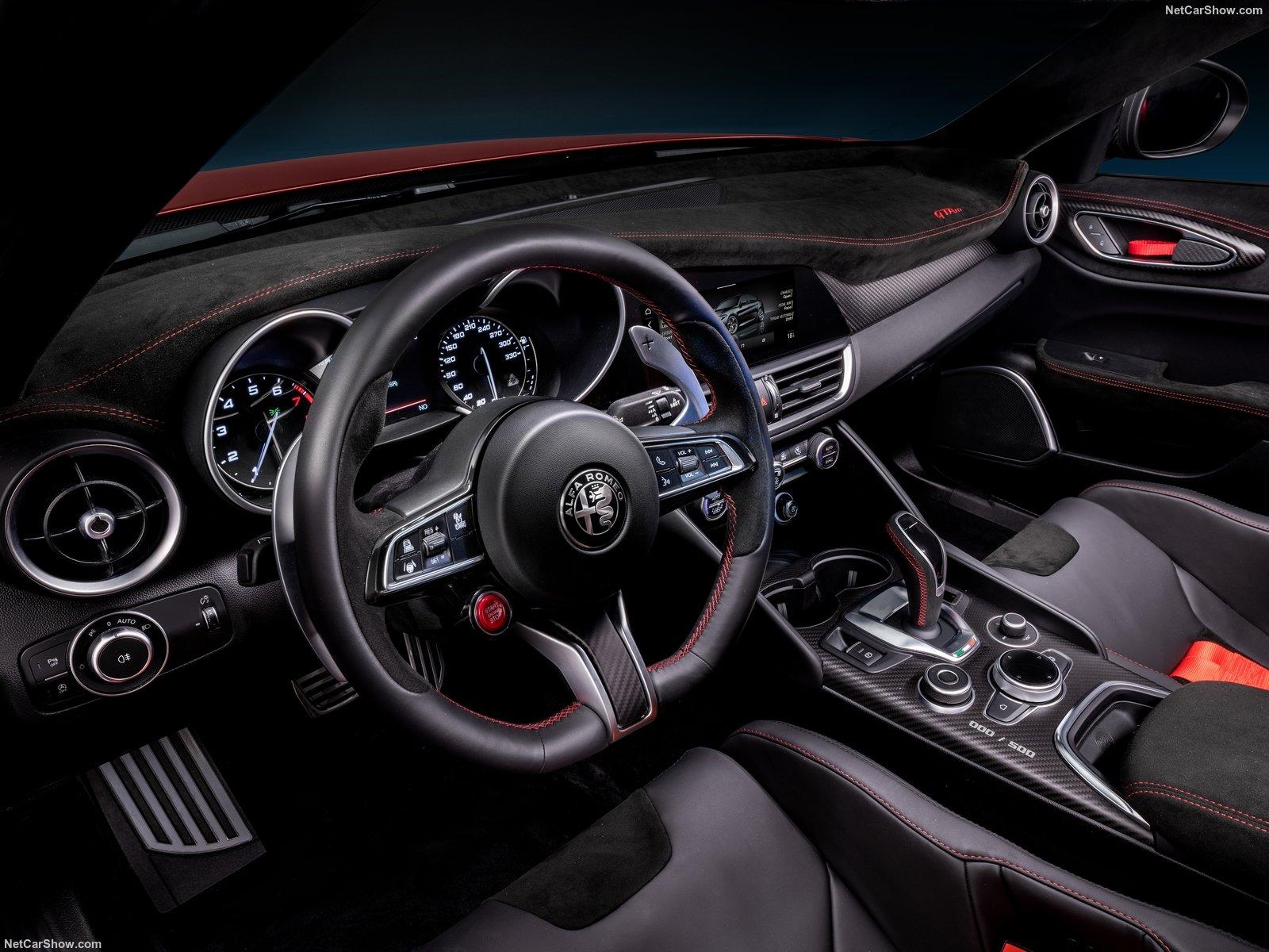 Interni Alfa Romeo Giulia GTA
