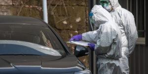 """I test """"drive through"""" contro il Coronavirus in Corea del Sud"""