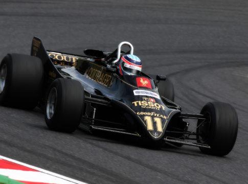 Lotus 88, F1: la geniale soluzione del doppio telaio che fu bandita ancora prima di essere messa in pista