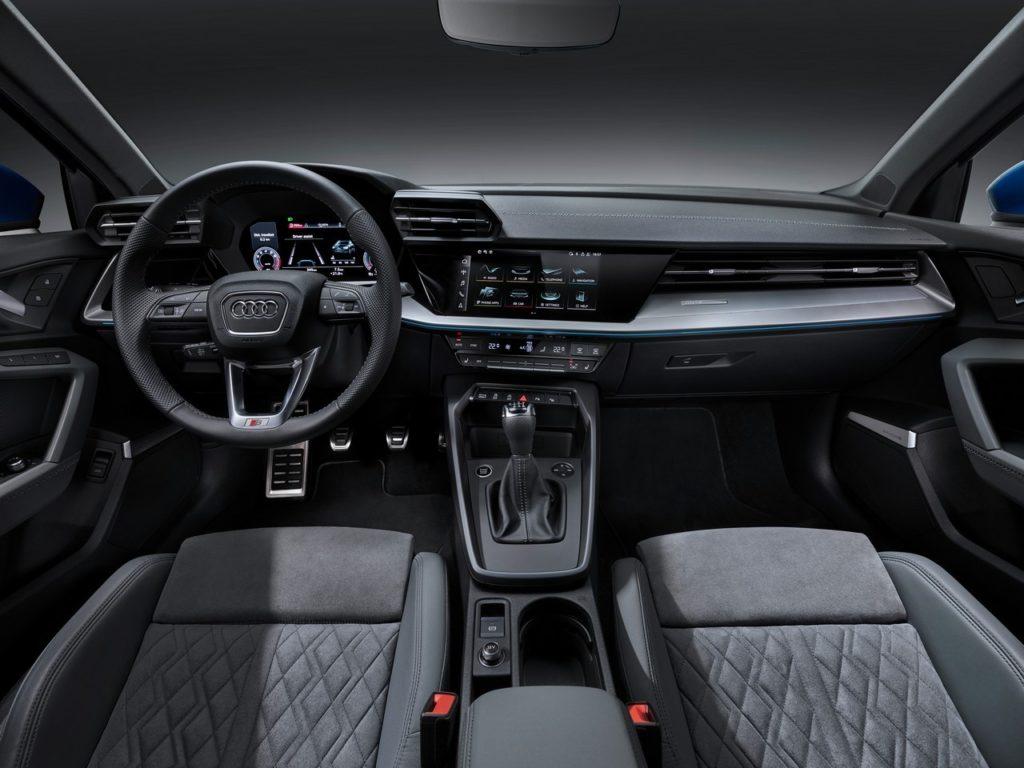 Nuova Audi A3 Sedan interni