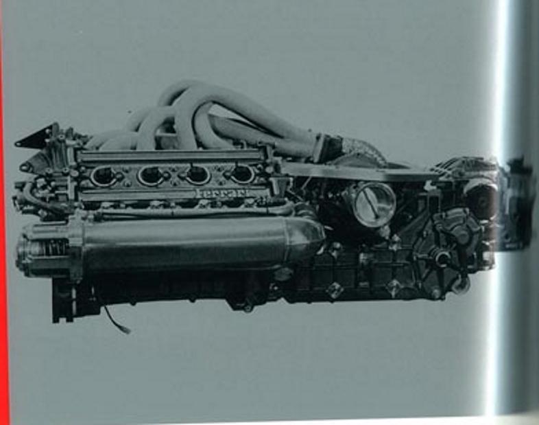 Ferrari 637 propulsore V8