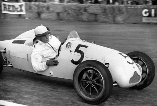Striling Moss a bordo della Cooper 500 durante il GP di Silverstone, 2 ottobre 1951