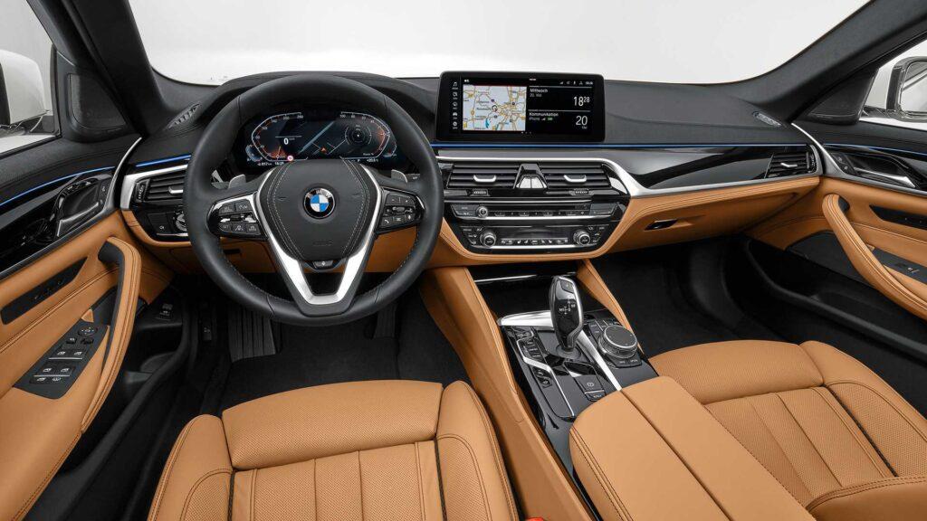 Interni della BMW Serie 5 2020
