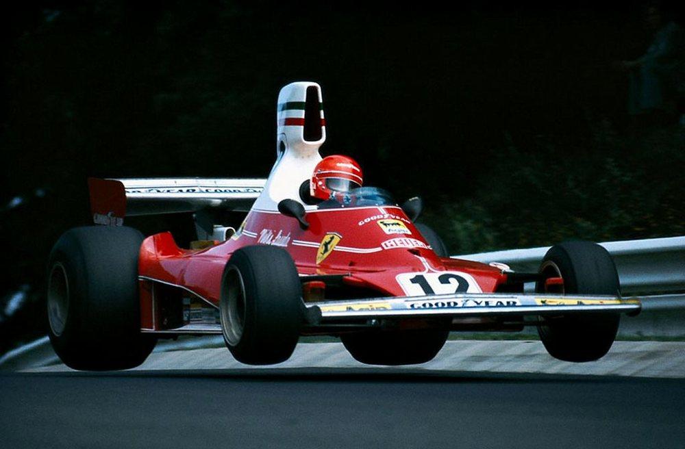 Niki Lauda in azione con la Ferrari 312 T