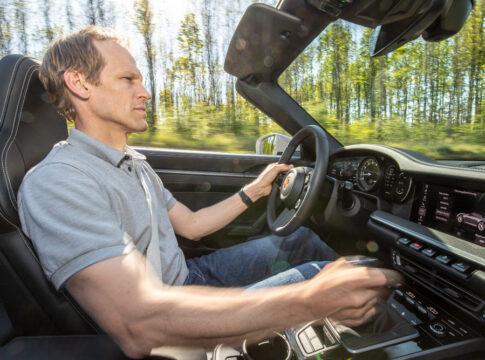 Sulle Porsche 911 Carrera arriva il cambio manuale a 7 marce