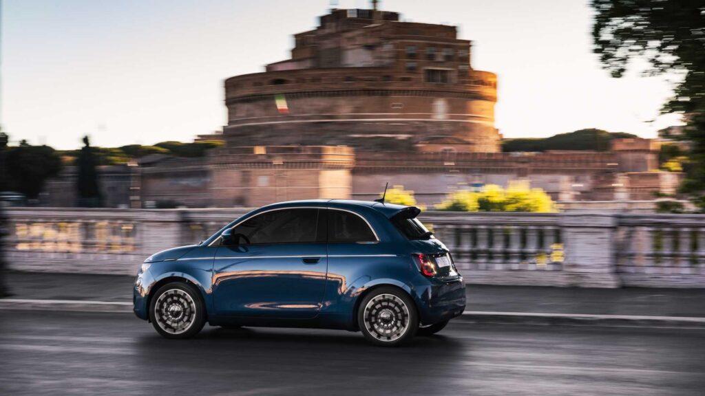 Nuova Fiat 500 elettrica: dopo la cabrio arriva anche la berlina