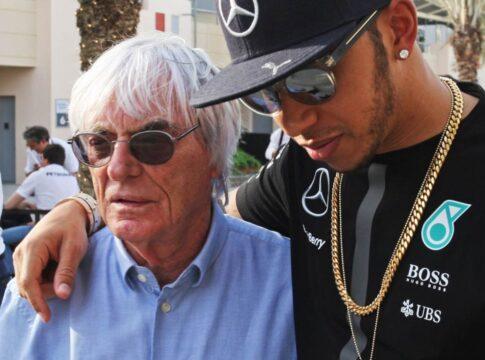 """""""Ignorante e non istruito"""", Lewis Hamilton condanna Ecclestone dopo i commenti sul razzismo. Anche la F1 prende le distanze dall'ex boss"""