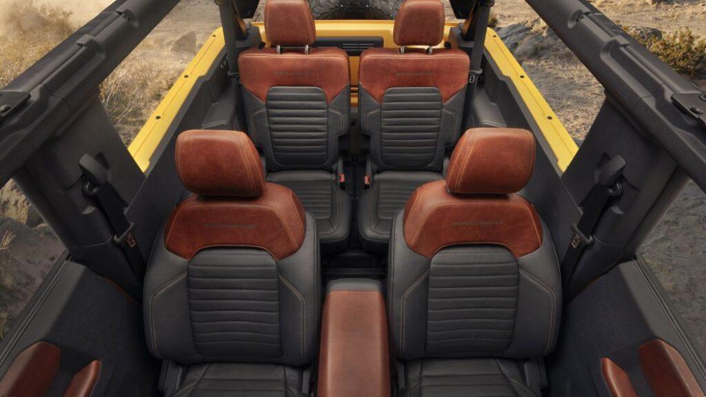 Gli interni della Ford Bronco