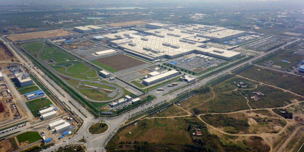 Vista dall'alto dello stabilimento BMW-Brilliance dove sarà prodotta la BMW iX3