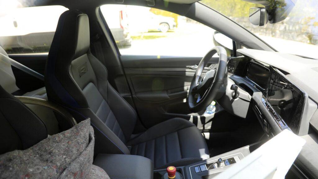 Nuova Volkswagen Golf 8 R 2020