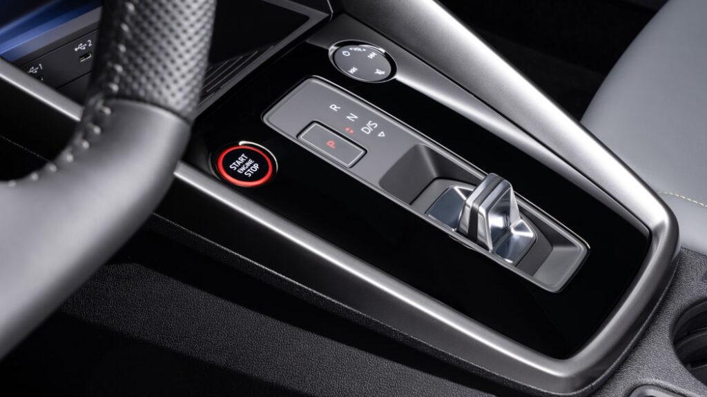 La levetta del cambio S Tronic della nuova Audi S3