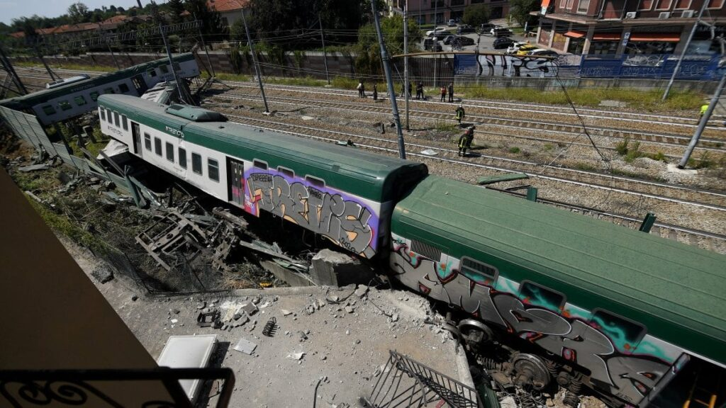 Treno deragliato a Carnate
