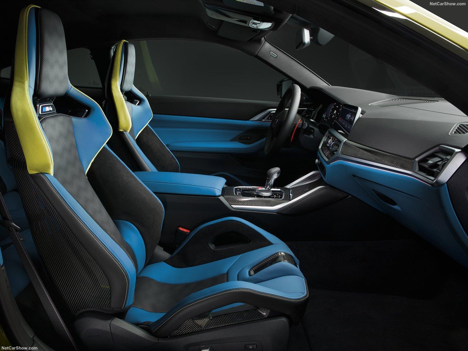 Gli interni della BMW M4 Competition
