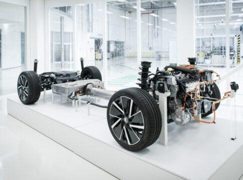 Come sono prodotte le batterie al litio per le auto elettriche?