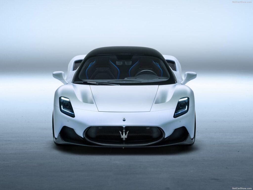 Il frontale della nuova Maserati
