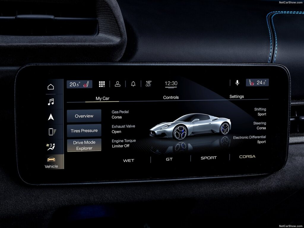 Il display con Maserati Intelligence Assistant