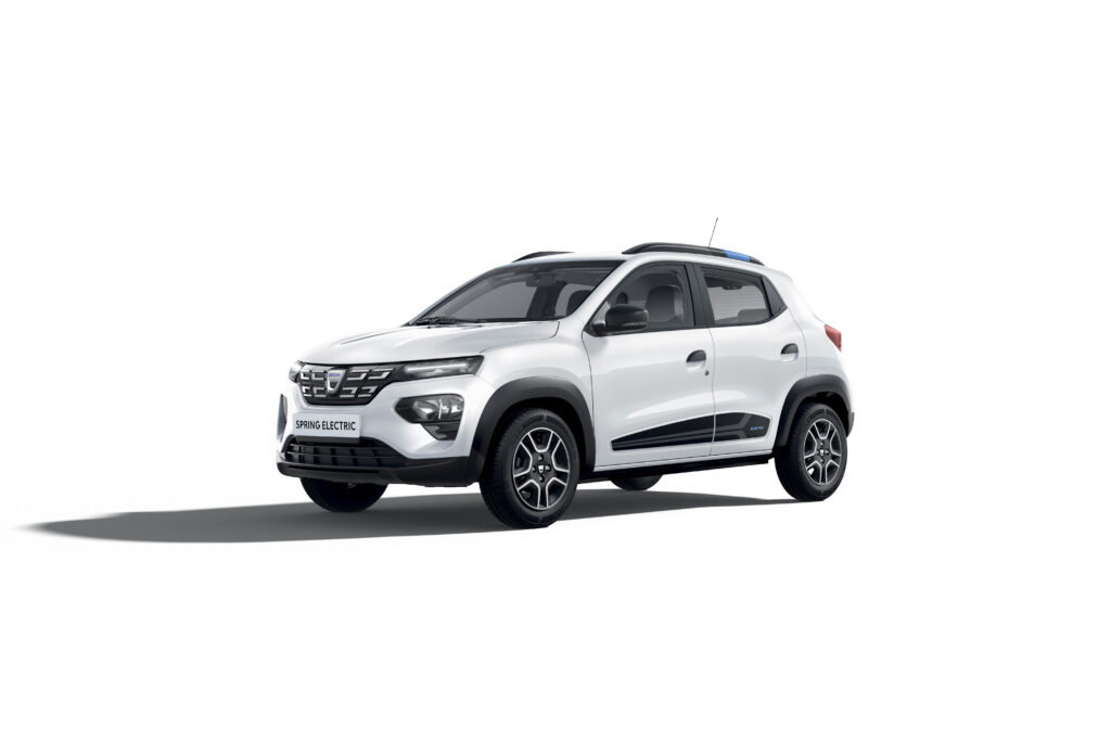 Nuova Dacia Spring Carsharing
