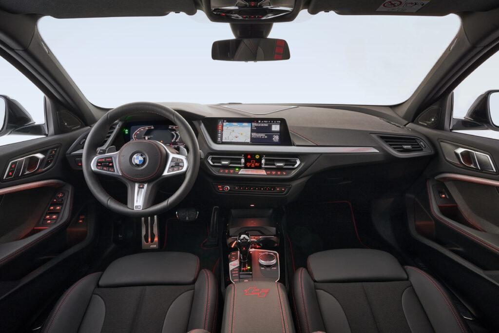 La plancia della BMW 128ti