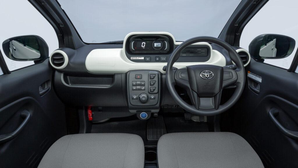 Interni Toyota C+Pod elettrica