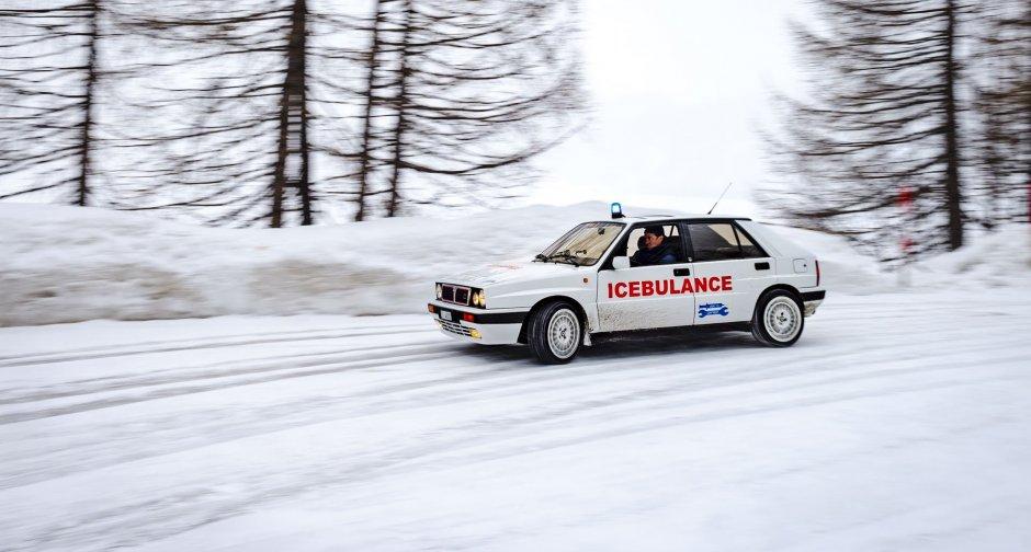 """La Delta HF Integrale trasformata in """"Ambulanza delle nevi"""""""