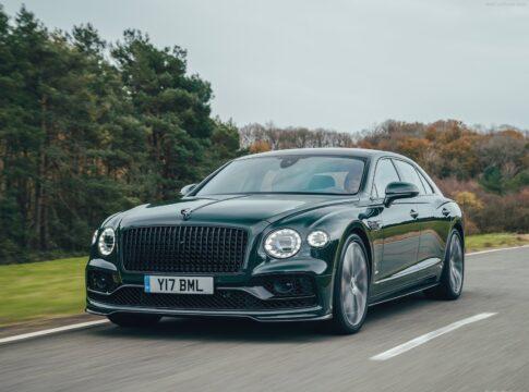 Bentley Flying Spur V8: la nuova berlina di lusso inglese