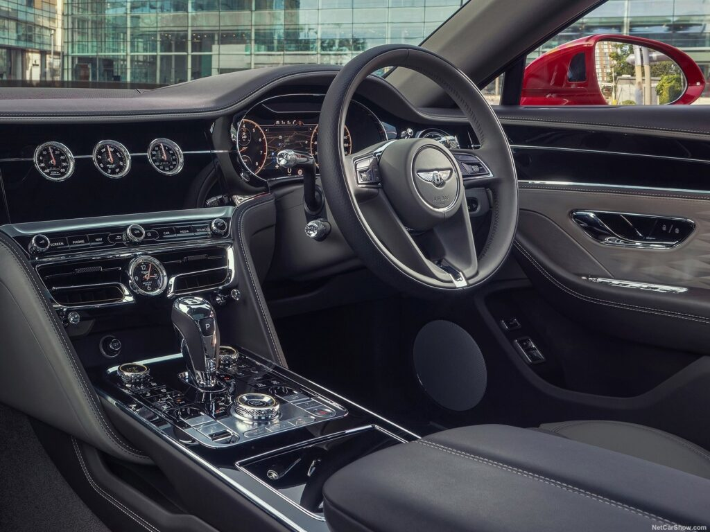 Gli interni della Bentley Flying Spur V8