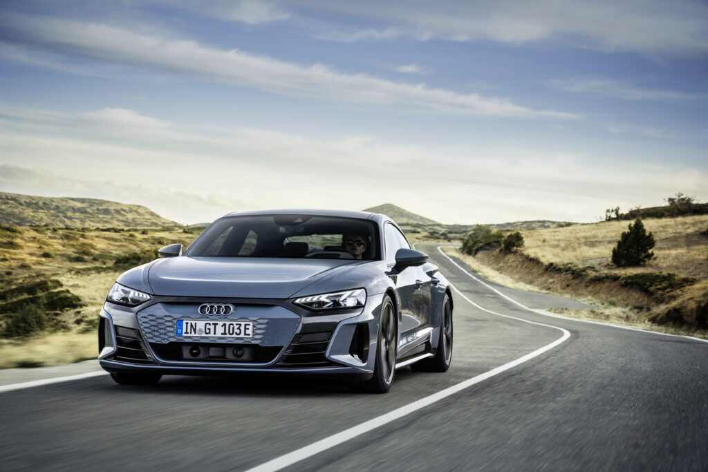 Nuova Audi e-tron GT