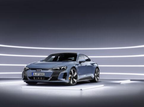 Nuova Audi e-tron GT quattro