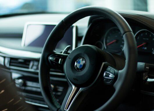 Tutti i vantaggi del noleggio auto a lungo termine per le aziende