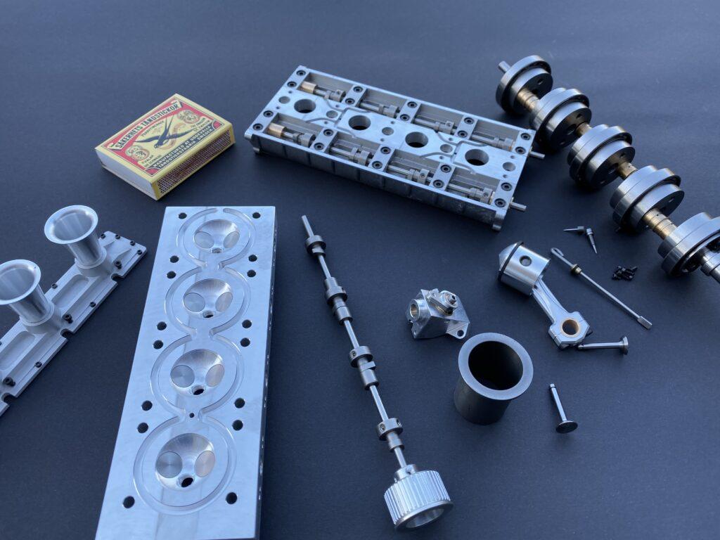 Cosworth V8 in miniatura
