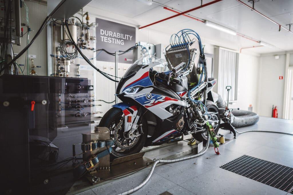 BMW Akrapovic durability dyno