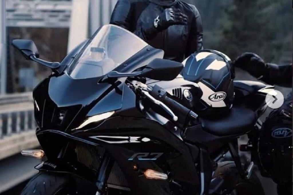 Nuova Yamaha YZF R7 2022