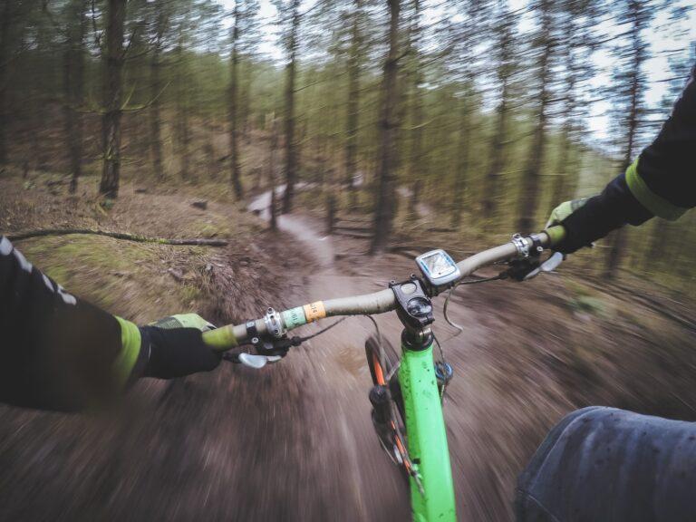 Dinamica della frenata in bicicletta