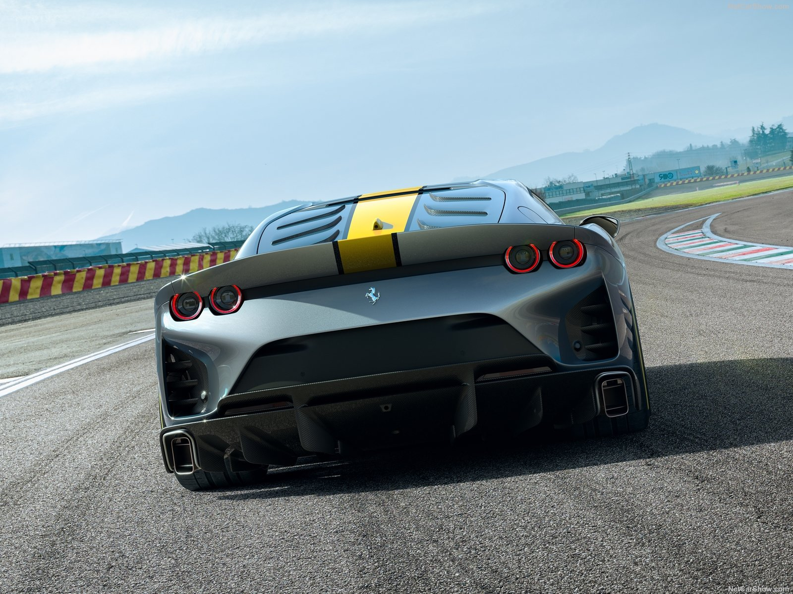 Ferrari 812 Competizione: il posteriore