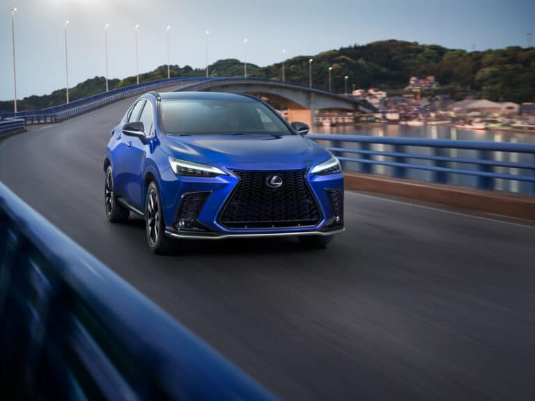 Nuova Lexus NX 2021