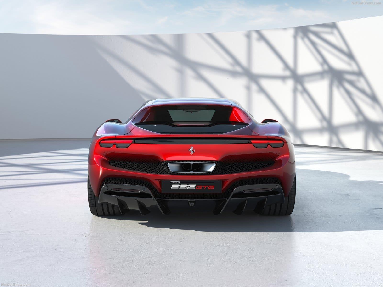 Ferrari 296 GTB: vista posteriore